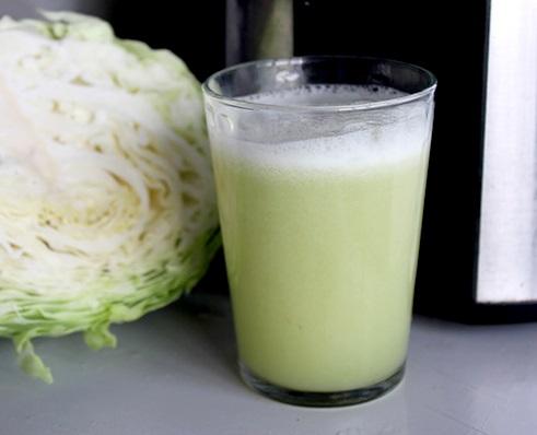 Cách làm nước ép bắp cải chữa đau dạ dày