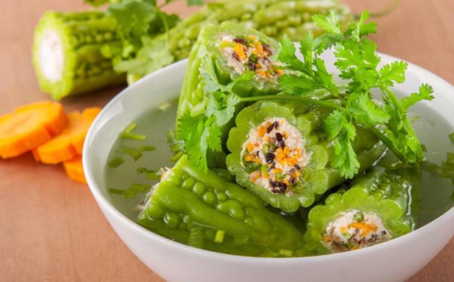 Dùng mướp đắng để chế biến món ăn chữa đau dạ dày