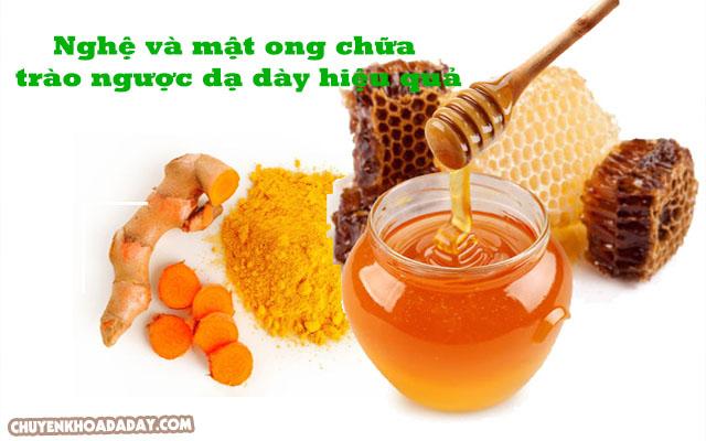 Chữa trào ngược dạ dày bằng nghệ và mật ong