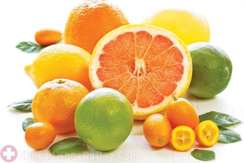 Người bệnh trào ngược axit dạ dày nên hạn chế ăn cam quýt