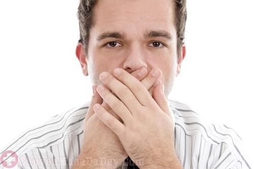 Dấu hiệu đau dạ dày chủ yếu là ợ chua, ợ nóng