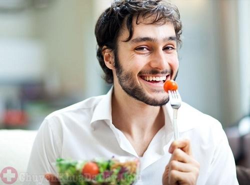 ăn chậm, nhai kỹ giúp phòng ngừa đau dạ dày hiệu quả