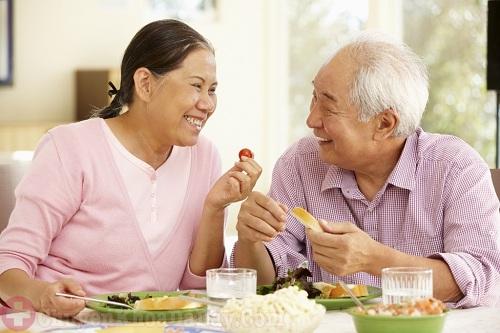 Người bệnh đau dạ dày không được uống hạt chia