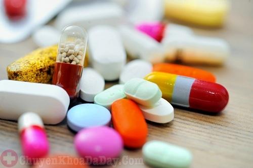 Chữa bệnh viêm họng do trào ngược dạ dày bằng thuốc tây y