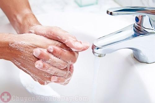 Rửa tay sạch sẽ phòng ngừa vi khuẩn Hp