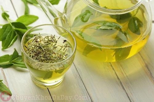 Uống chè xanh có hại dạ dày không?