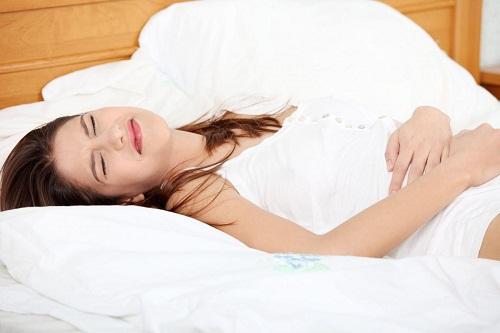 Đau bụng quanh rốn và buồn nôn là bệnh gì?