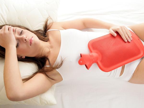 Chườm nóng chữa đau dạ dày cấp tốc